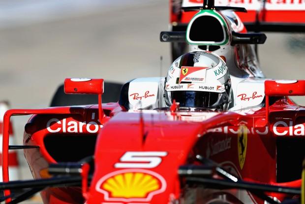 F1: Vettel megrovást kapott, gyenge a Ferrari