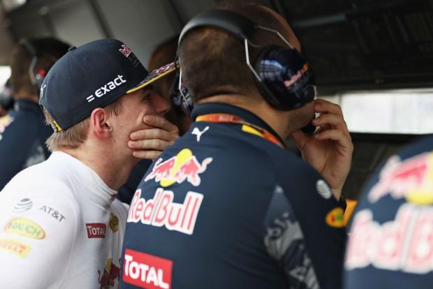 F1: Verstappen autója mozdíthatatlan volt
