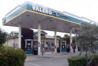 A benzinkút, ahol hárommillió forint egy tankolás