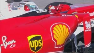 F1: Vettel a tükörbe kapaszkodott