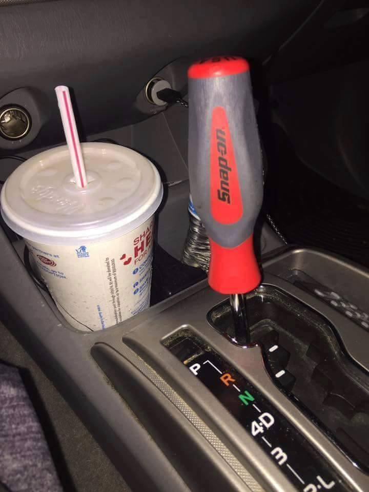Felszereltségi szint: autószerelő
