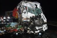 Kamionok ütköztek az M7-es autópályán – megrázó képek