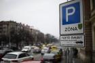 Új parkolózónákkal sokkolják a pesti autósokat