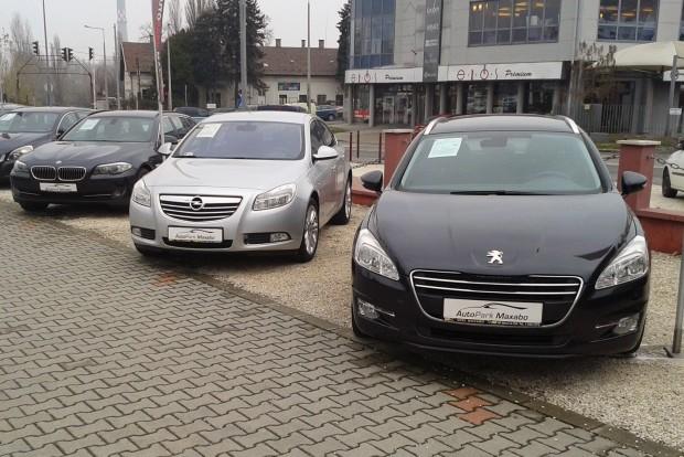 A százalékos értéktartás mellett azt is érdmes vizsgálni, mennyi az autó tényleges értékvesztése