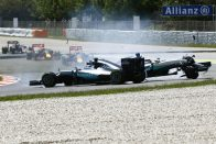 F1: Hamilton megfenyegette a Mercedest?