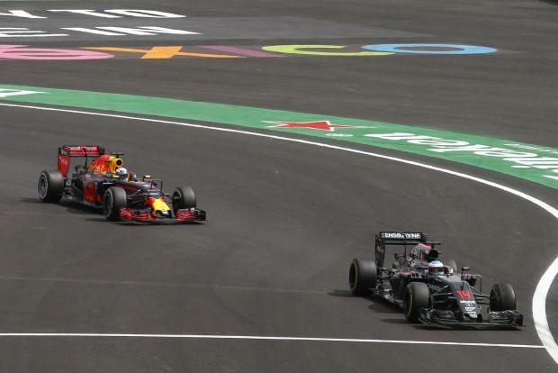 Alonso elárulta, szerinte ki a legjobb F1-es
