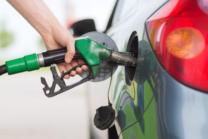 Régen minden jobb volt? A tankolási naplók alapján a benzinesek fogyasztása sokat csökkent