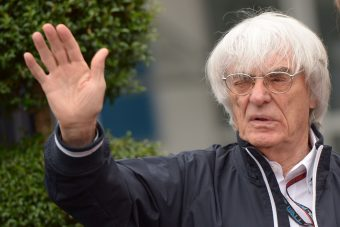 Ecclestone: A McLarenen a Renault sem segít!