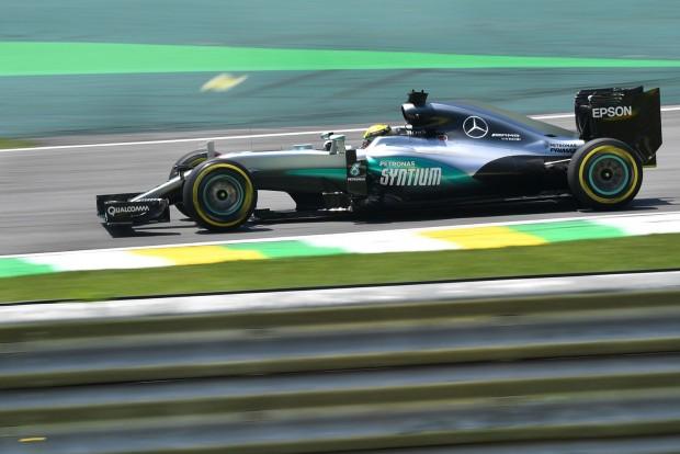 F1: Hamiltoné az első vér Interlagosban