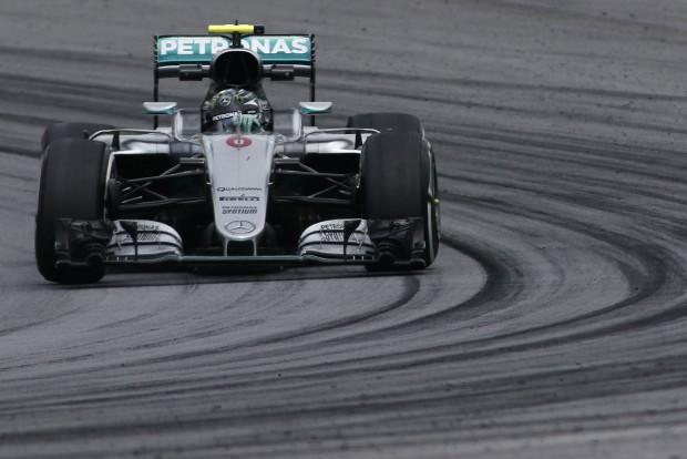 F1: Rosberg a gyorsabb az időmérő előtt