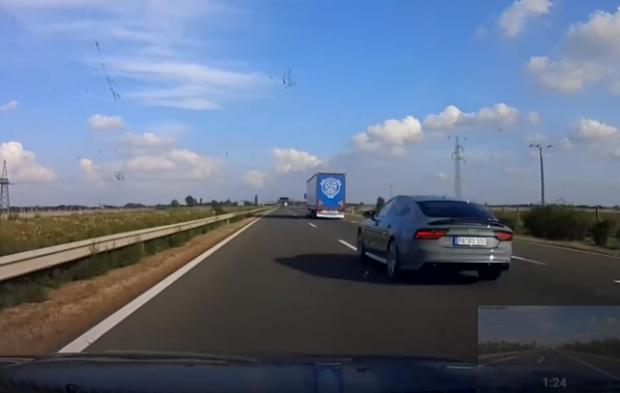 Szabálytalan sofőrökre vadászik egy magyar autós