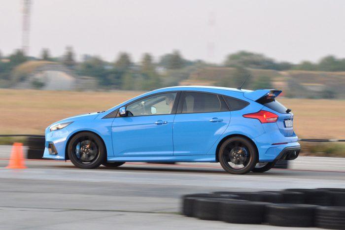 A Civicben voltak a legjobbak a fékek, jóllehet a Brembo nagyon hasonló konstrukciót szállít a Focus RS-hez