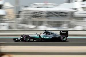 F1: Hamiltoné az első menet