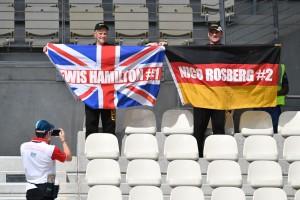 F1: Rosberg nem bírt Hamiltonnal, az angolé a pole