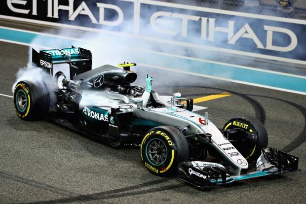 F1: Valentin-napi nyalizás a Mercedestől