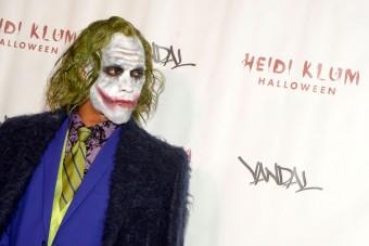 Na, melyik Forma-1-pilóta öltözött a Jokernek?