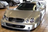Ha egy utcára szabadított Mercedes versenyautót szeretnél, akkor itt a lehetőség!