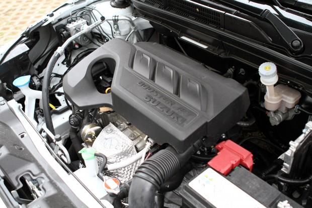 Az új, alig egyliteres, háromhengeres benzinmotor egyelőre nagyon maggyőző. Kíváncsiak vagyunk, hogy bírja majd az éveket