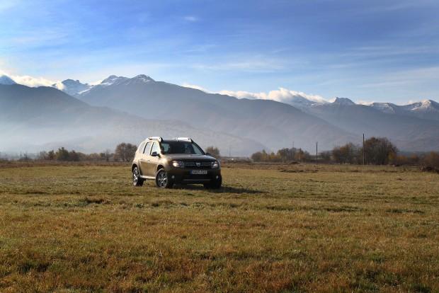 Gyönyörű hegyek, csodaszép Dusterrel