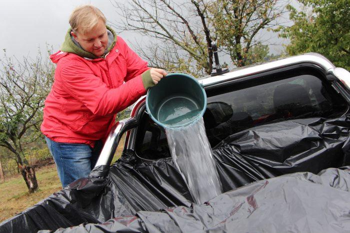 Vödörrel sokáig tart feltölteni a Fullback platóját vízzel