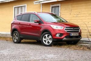 Okosabb, kényelmesebb: Ford Kuga 2016