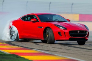 Játssz velünk elképesztő Jaguar- és Land Rover-ajándékokért!