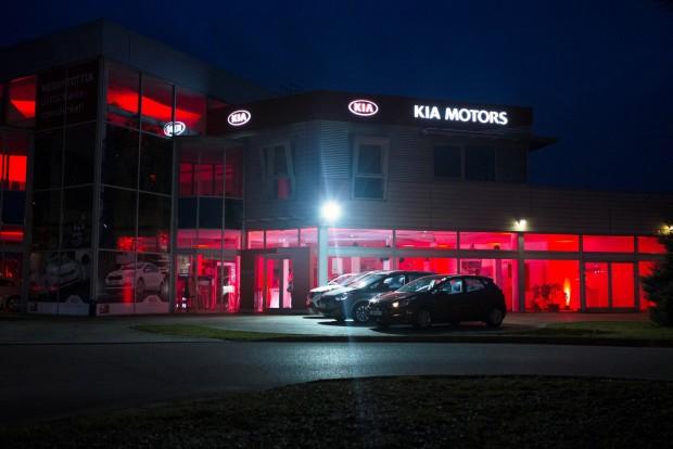 Stabilan tartja az autók árát, ha márkaszervizben tartatja őket karban a tulajdonosuk
