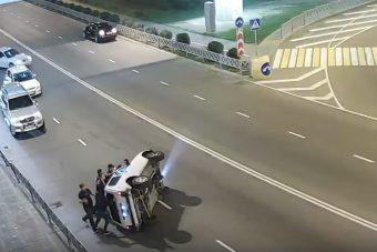 Az év legmókásabb Lada-balesete