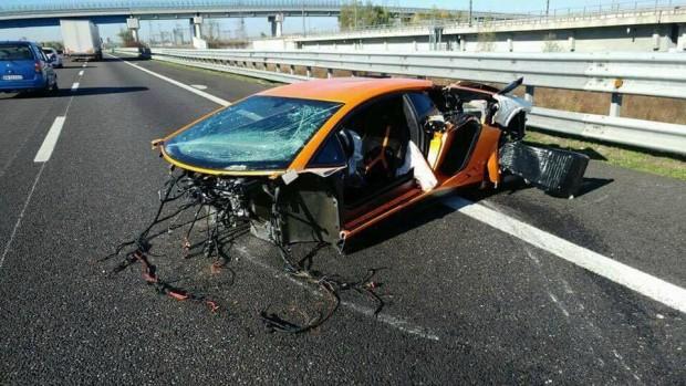 Egy ép eleme sem maradt ennek a Lamborghininek