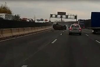 Videón az M0-áson történt súlyos baleset