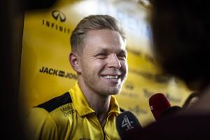 F1: Csúnyán kiosztották a távozó Renault-pilótát
