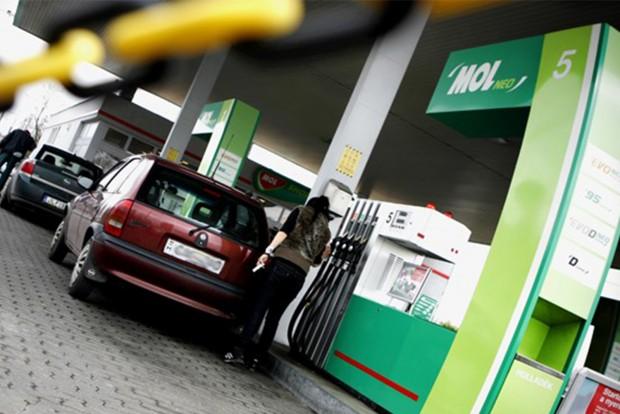 Na ezért nem csökken az üzemanyag ára