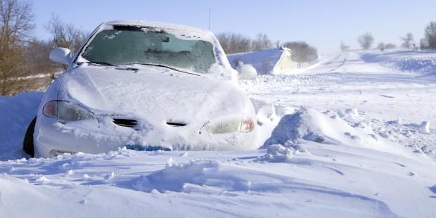 o-CAR-STUCK-IN-SNOW-facebook