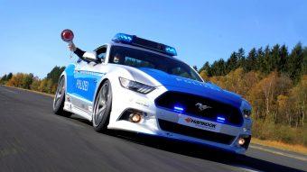 Tuningolt Mustanggal kampányol a német rendőrség