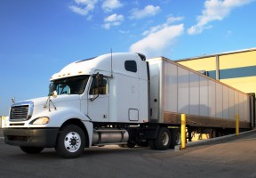 Hamarosan búcsút inthetünk a rogyásig rakott teherautóknak