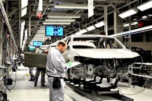 Harmincezer embert bocsát el a Volkswagen