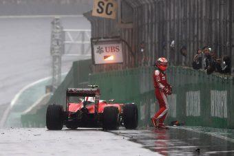 F1: Félelmetes, mit úszott meg Räikkönen - videó