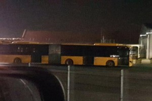 Ezért sárgultak be a bilikék volános buszok