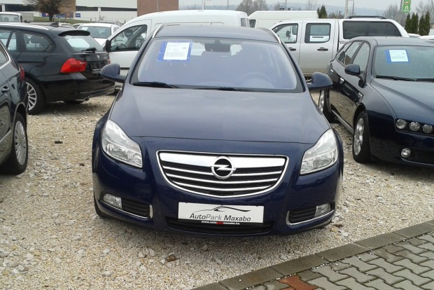 2010-es évjárattal vetettük össze a dízelmotoros Insignia és a Mazda6 árait