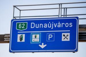 Nézd meg a legújabb magyar KRESZ-táblát!