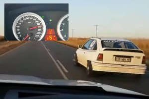 A BMW sofőr csak röhögött, amikor 220 felett lehagyta a vén Opel