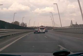 Agresszív állatok a volánnál: Mercedes-közelharc Suzuki ellen az M0-son