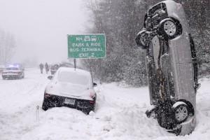 Ilyen csúnya balesetektől óv meg a téli gumi