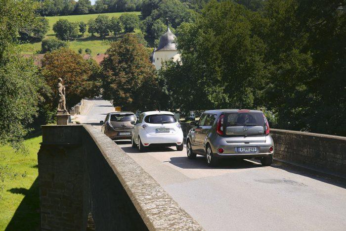 Nem siettünk, így az autókból a schöntali kolostort is megcsodálhattuk