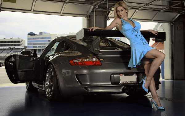 filles-sexy-voiture-1