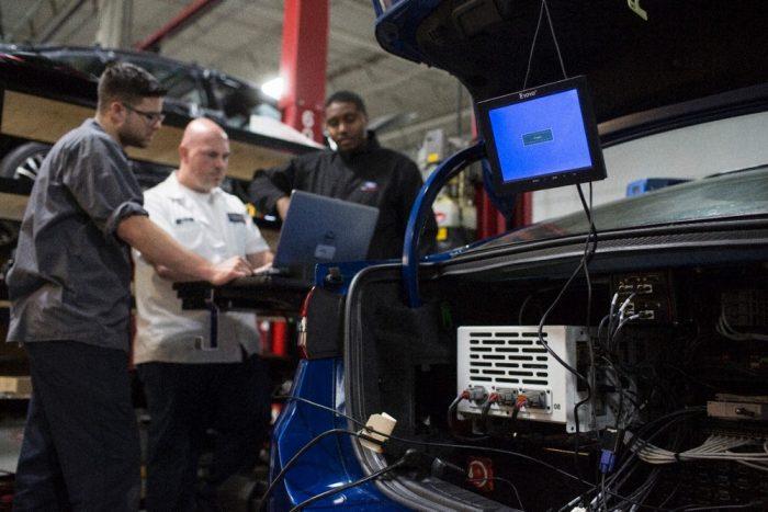 Még van dolog a hardver tömörítésével, a jelenlegi autonóm Fordnak gyakorlatilag nincs csomagtere