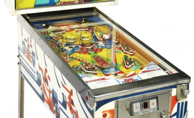 Grand-Prix-pinball-machine-2-740x451