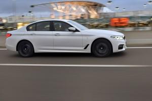 Új 5-ös BMW - Káprázat és parasztvakítás