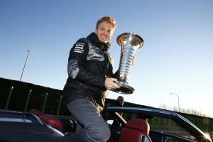 F1: Rosberg vállalná Hamilton oktatását