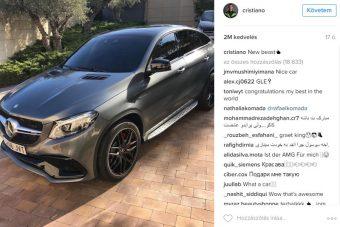 Cristiano Ronaldo bemutatta új autóját